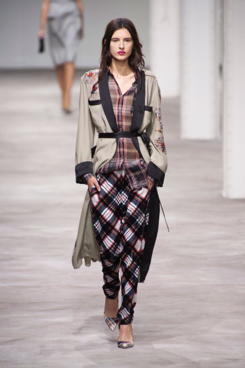 Dries-Van-Noten-Spring-2013CAAAWI4I