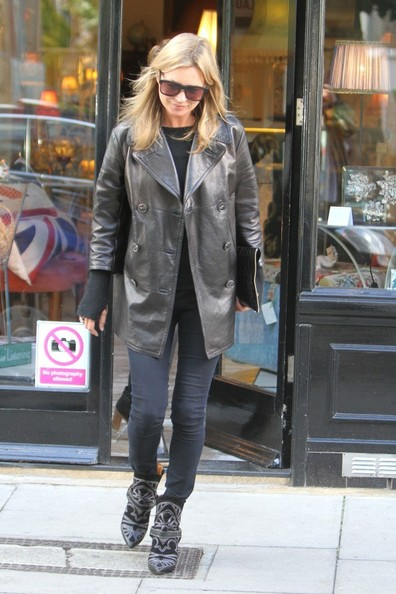 la-modella-mafia-Kate-Moss-in-Isabel-Marant-western-boots-Spring-2013-fashion-week