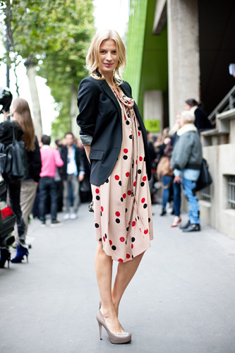 13-polka-dots-paris-fashion-week-style-2010