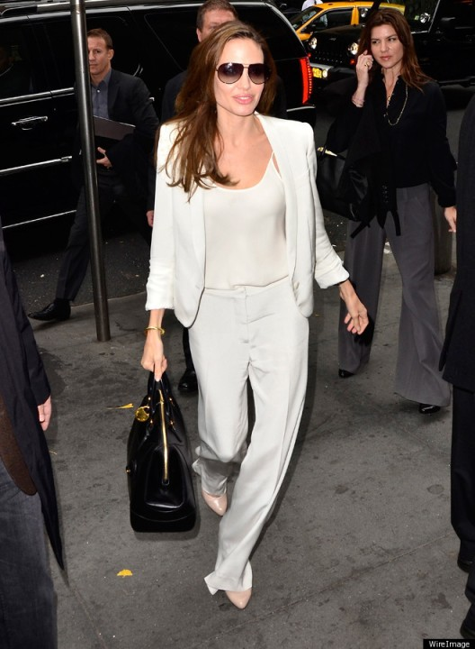 ANGELINA-JOLIE-WHITE-SUIT