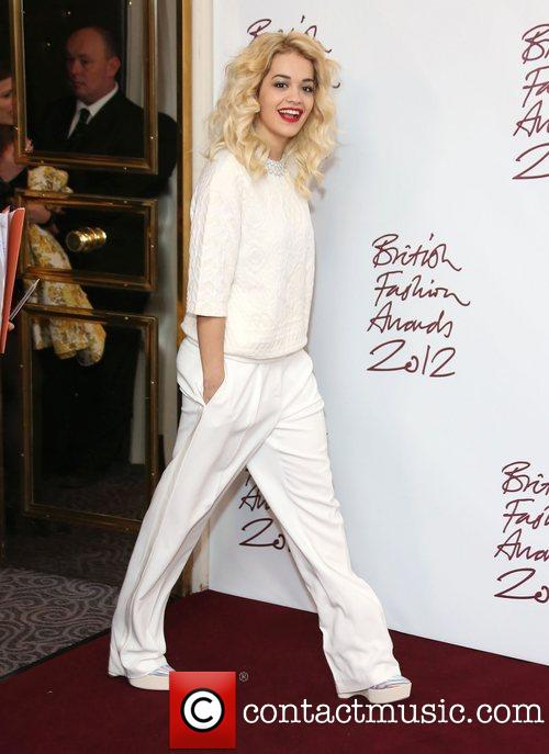 rita-ora-the-british-fashion-awards-2012_4186957