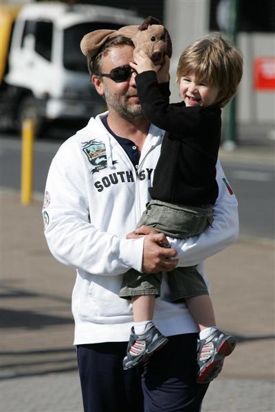 Russel Crowe com o filho Charlie