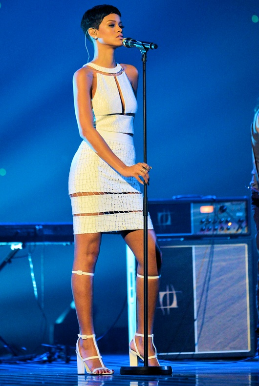 la-modella-mafia-Alexander-Wang-Aline-high-heels-with-removable-strap-695-Rihanna-on-X-Factor-UK