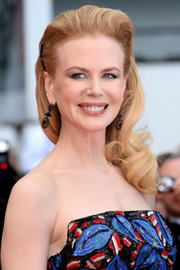 Nicole-Kidman-Vogue-20May13-Rex_b_592x888