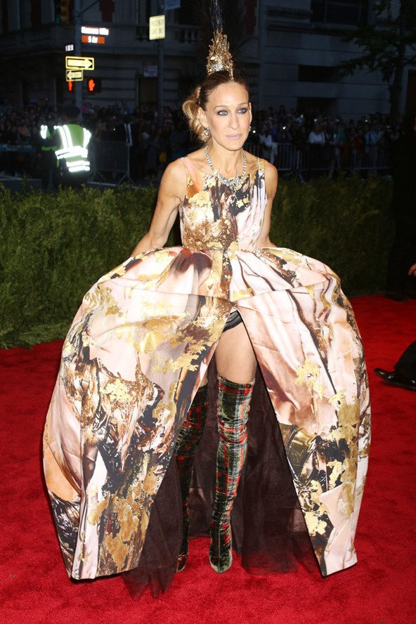 Sarah Jessica Parker wore a Giles Deacon ballgown with Philip Treacy Mohican headpiece and tartan over-the-knee boots.