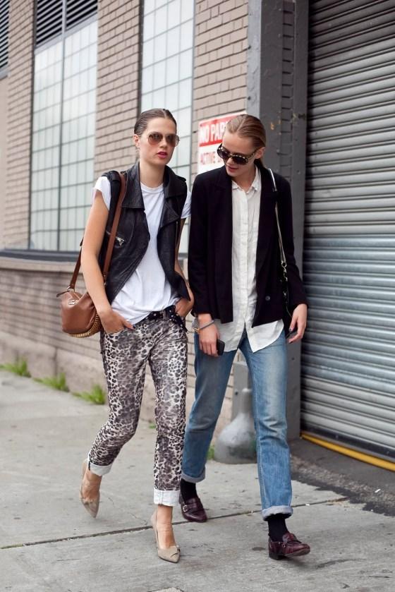 Street-Style-Printed-Denim-Jeans-2