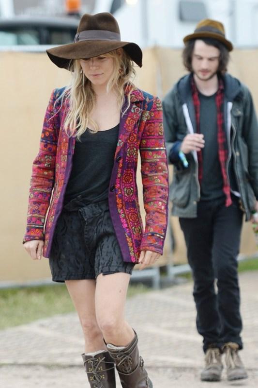 Sienna-Miller-Vogue-1Jul13-Wenn_b_592x888