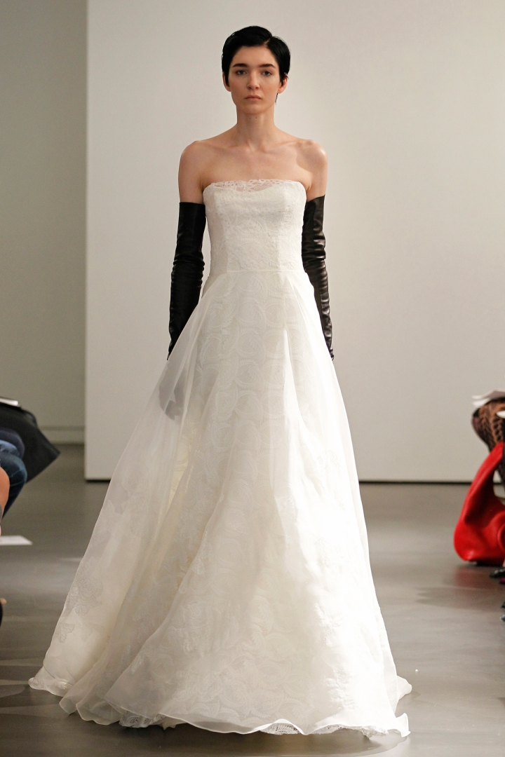 VW-Bride_SS14_runway_Look-10