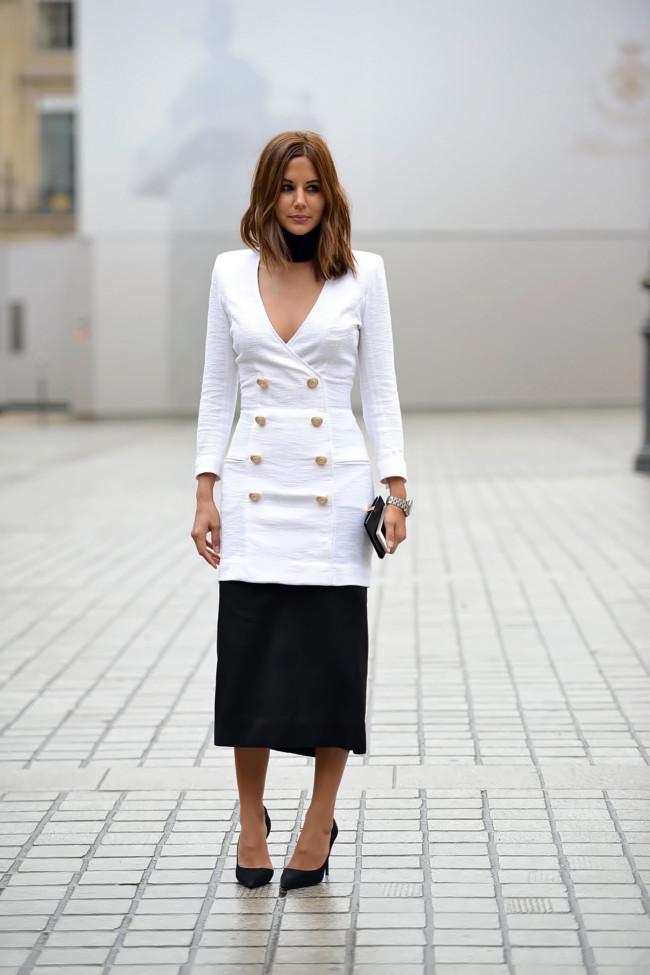Casaco Balmain, saia Miu Miu, sapatos Celine e relogio Dior Homme