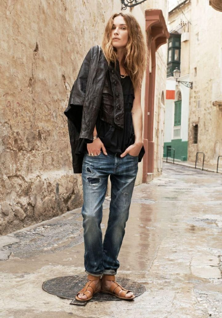 erin-wasson-in-malta-for-madewell-catalog-13