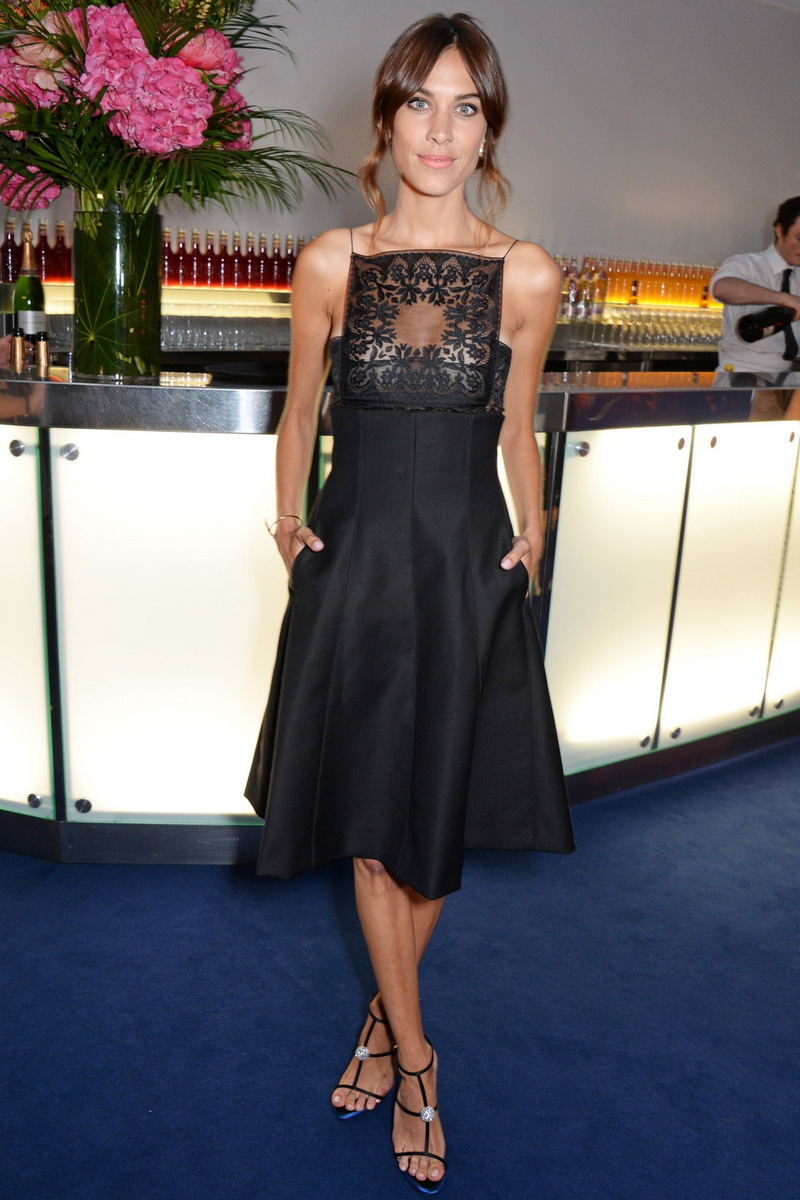 alexa-chung-glamour-woman-of-the-year-dior-black-dress